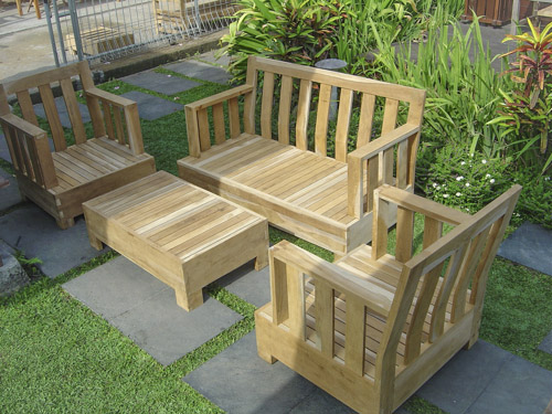 Teak garden furnitures